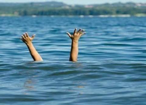 غرق طفل في ترعة بالبحيرة