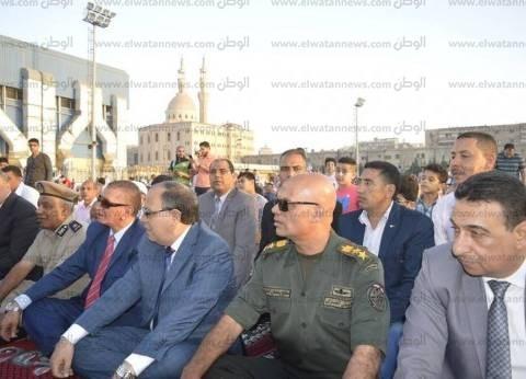 بالصور| محافظ كفر الشيخ ومدير الأمن يؤديان صلاة العيد بساحة الاستاد