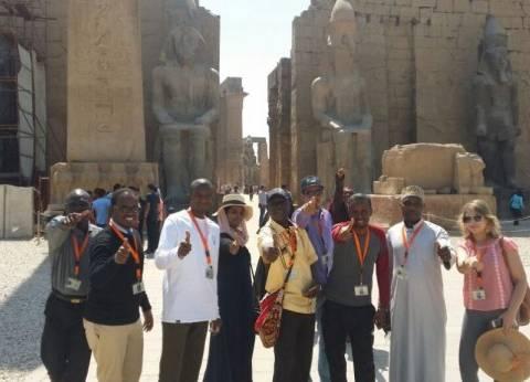 """""""الإعلاميون الأفارقة"""" يزورون معبد الأقصر بثاني أيام مهرجان السينما"""