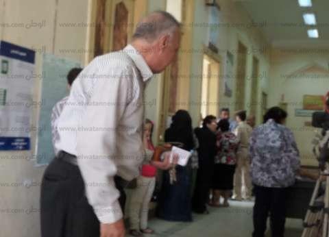 أمن لجنة انتخابية بحوش عيسى يضبط أحد أنصار مرشح يدفع أموالا للناخبين