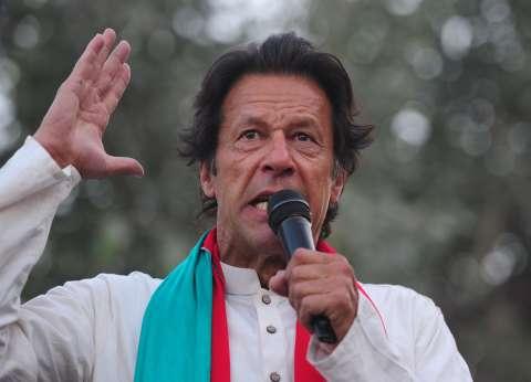 لاعب الكريكت يؤدي اليمين.. من هو عمران خان رئيس حكومة باكستان؟