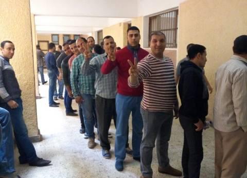 قائد قاعدة الإسكندرية البحرية يتفقد اللجان الانتخابية