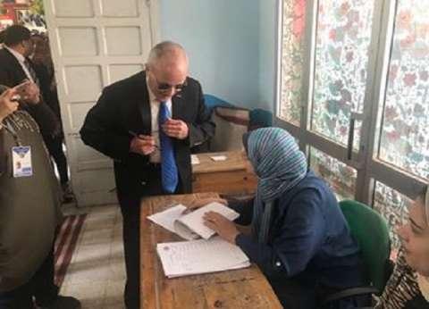وزير الإنتاج الحربي يدلي بصوته في الاستفتاء على التعديلات الدستورية