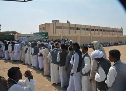 طوابير الناخبين تمتد أمام لجان حلايب وشلاتين.. و40% نسبة المشاركة أمس