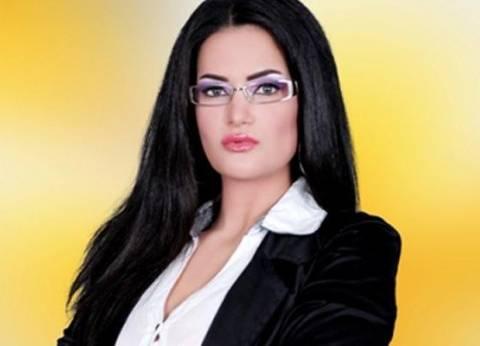 """بـ""""العجلة"""".. سما المصري تدلي بصوتها في الأزبكية"""