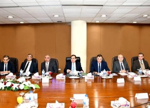 وزير البترول يوجه بالإسراع في تنفيذ مشروعات تحقيق التوافق البيئي
