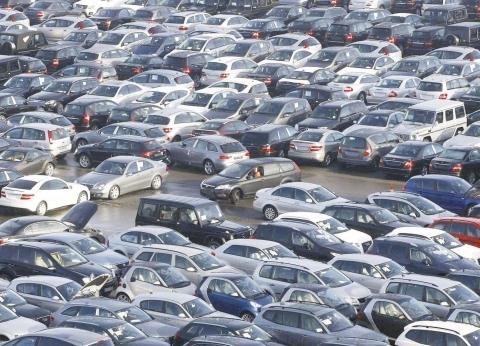 سوق السيارات في الصين تستأنف الهبوط بعد ارتفاع طفيف في يونيو الماضي