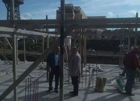 """رئيس """"محلية الزرقا"""" يتابع أعمال بناء مساكن الإسكان الاجتماعى"""