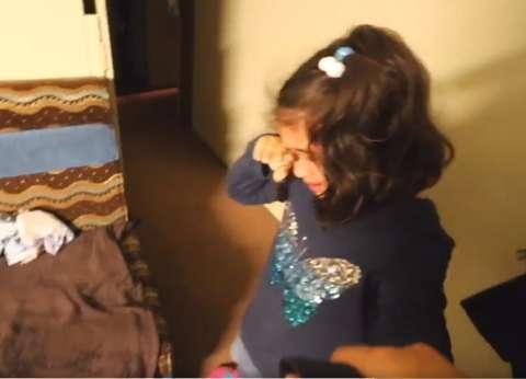 بالفيديو| بكاء طفلة مسلمة عمرها 5 سنوات عقب فوز ترامب