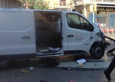"""الشرطة الإسبانية: المشتبه بتنفيذه حادث دهس برشلونة لجأ إلى """"حانة"""""""