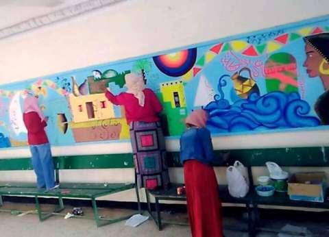 """جامعة أسوان تهدي جداريتين لوزارتي """"التربية والتعليم"""" و""""الصحة"""""""