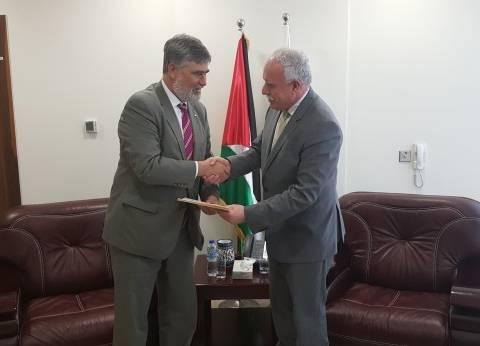 وزير الخارجية الفلسطيني يقبل أوراق اعتماد الممثل الجديد لكندا
