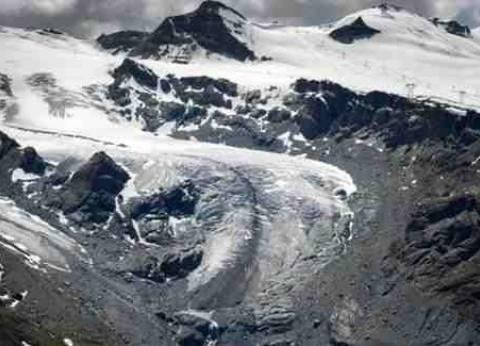 110 أشخاص عالقون في قمة مون بلان بجبال الألب الفرنسية