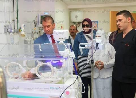 بالصور  محافظ كفر الشيخ يحيل أطباء مقصرين بمستشفى البرلس للتحقيق