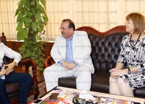 رئيس جامعة طنطا يبحث سبل التعاون مع مديرالمركز الثقافي البريطاني