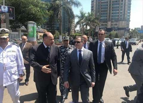 وزير الداخلية يتفقد الخدمات الأمنية بميدان مصطفى محمود