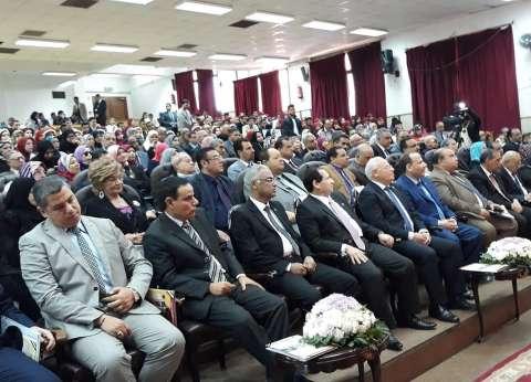 رئيس جامعة بورسعيد يشكر السيسي على تبنيه للمشروعات القومية