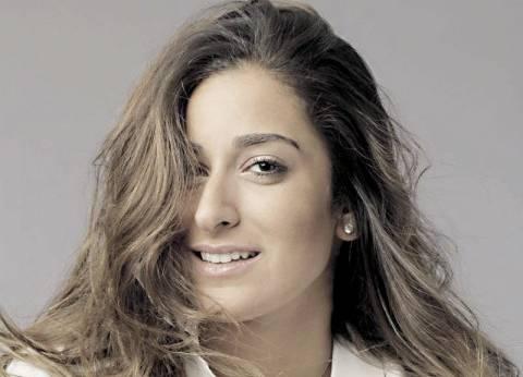 """تامر حسني يرحب بانضمام أمينة خليل إلى فيلمه الجديد """"البدلة"""""""