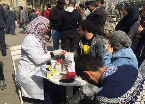 زحام على سيارة نقل الدم بمحطة مصر.. وطبيبة: الأعداد تتزايد بعد الحادث