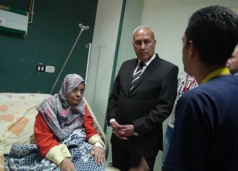 محافظ السويس يزور المرضى والأيتام لتهنئتهم بالعيد