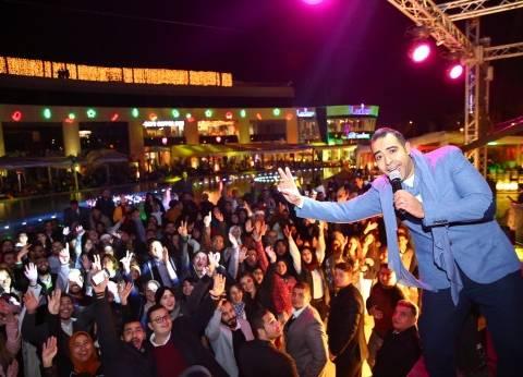 بالصور| محمد عدوية وصلاح بيجاتو يشعلان حفل رأس السنة في التجمع الخامس