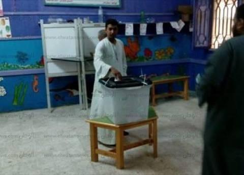 """إقبال كثيف على لجنة مدرسة """"سعد الأسمر"""" بدمياط"""