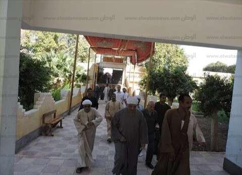 """إقبال مكثف بلجان قرى """"العياط"""" في ثاني أيام الإعادة"""