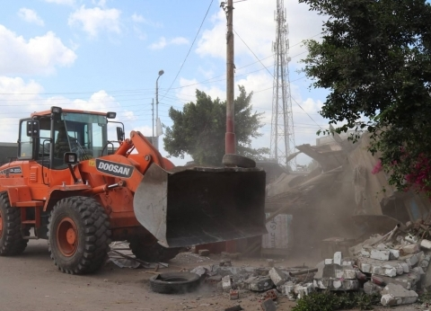 إزالة 29 حالة تعدِ على أراضي أملاك الدولة ضمن حملة حق الشعب بسوهاج