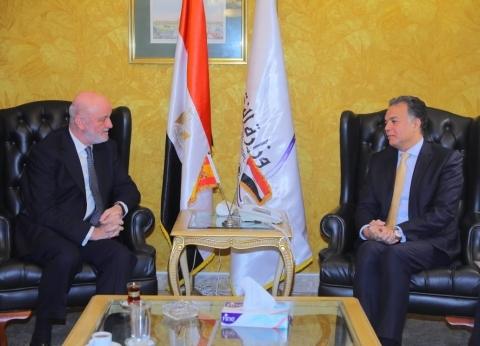 وزير النقل يلتقي سفير إسبانيا لبحث التعاون في مجال السكك الحديدية