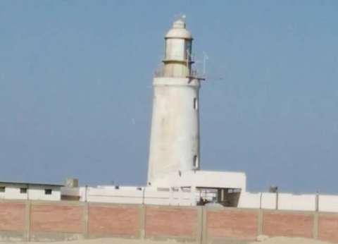 لجنة من الآثار تعاين فنار الزعفرانة بالبحر الأحمر