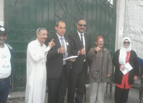 إقبال الناخبين على مدرسة الشهيد إبراهيم بالجيزة.. وسرادق لكبار السن