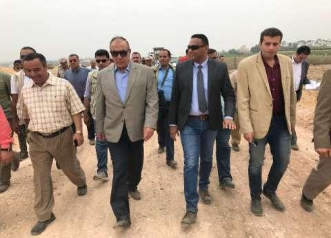 """وزير التنمية المحلية يطالب بزيادة أعداد المستفيدين من """"مشروعك"""""""