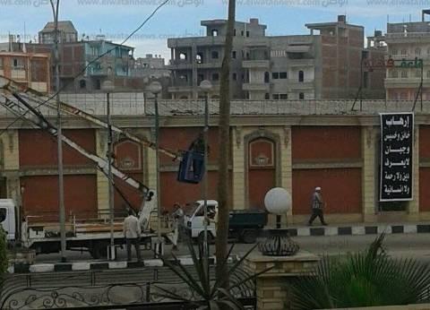 """لافتات سوداء في """"المنزلة"""" حزنا على شهداء """"هجوم مسجد الروضة"""""""