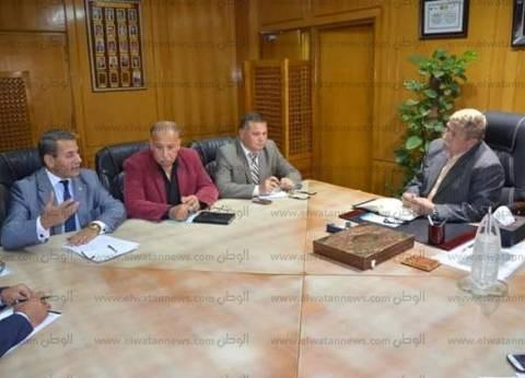 محافظ الإسماعيلية يستعرض الموقف التنفيذي لتطوير المنطقة الحرة