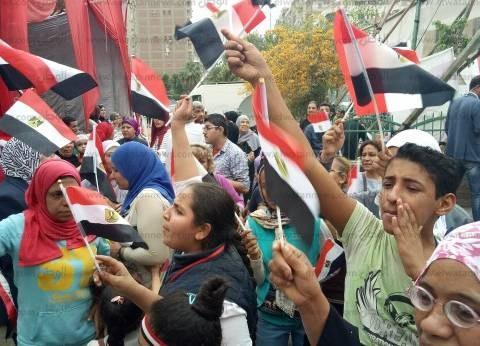 حشد جماهيري ضخم أمام اللجان الانتخابية بالشروق