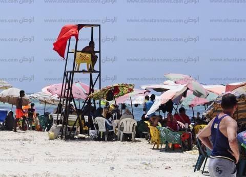 """مدير شواطئ الإسكندرية: الوضع لا يسمح بالسباحة.. """"لو أبو هيف نزل هيغرق"""""""