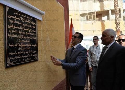 محافظ أسيوط يفتتح 77 مشروعا بـ1.4 مليار خلال احتفالات العيد القومي