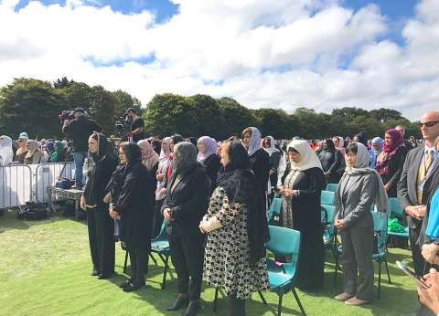 نوزيلندا تبث صلاة الجمعة على الهواء.. ووقفة حداد بعد مذبحة المسجدين