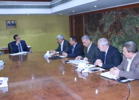 """وزير النقل يطالب قيادات """"السكة الحديد"""" بموافاته بخطة """"إدارة الأزمات"""""""