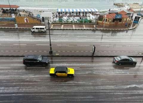 بالصور| هطول أمطار غزيرة على الإسكندرية