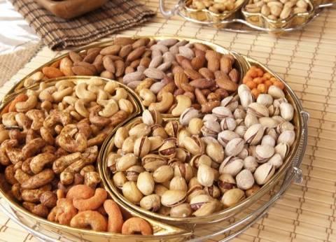 علماء ينصحون بتناول المكسرات يوميا للوقاية من أمراض القلب والسرطان والسكر