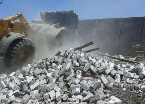 مجلس مدينة أشمون يزيل حالة تعدٍ على الأراضي الزراعية بقرية سمادون