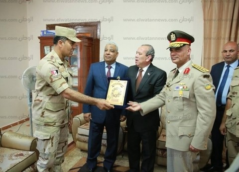 بالصور| محافظ كفر الشيخ يزور قيادة المحطة العسكرية بسخا