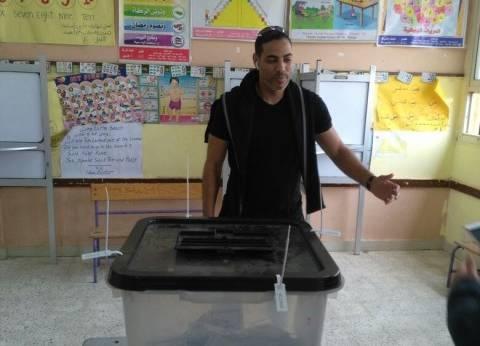 خالد بيبو يدلي بصوته بـ6 أكتوبر.. ويدعو المواطنين للمشاركة بالانتخابات