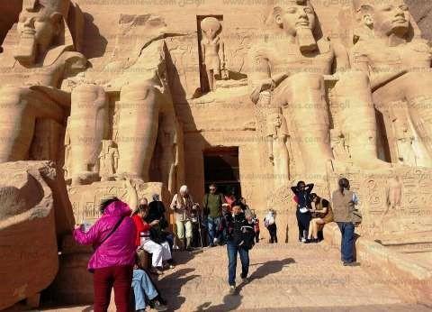 مصدر: 2.5 مليار دولار إيرادات السياحة العام الجاري