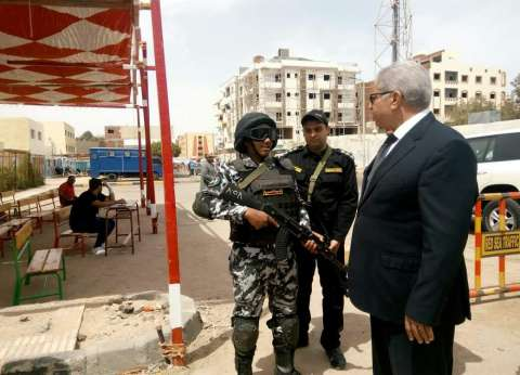 مدير أمن البحر الأحمر يتفقد سير العملية الانتخابية فى الغردقة