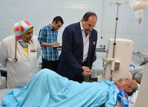 محافظ سوهاج يتفقد مستشفى طما ويكلف بتجهيز مظلات للمواطنين