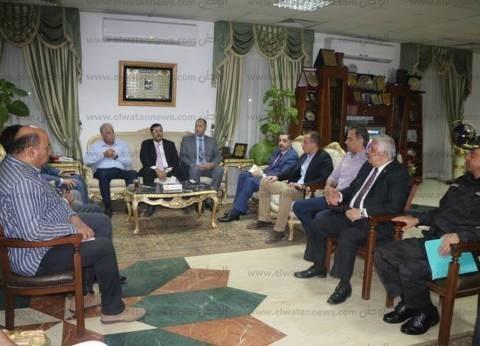 محافظ جنوب سيناء يطالب باستكمال منظومة الكاميرات بشرم الشيخ