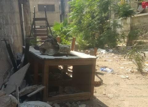«شبرا والساحل»: القمامة تنتشر بالداخل والخارج.. والمقاهى تحاصر مدارس الفتيات