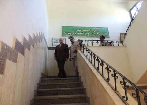 بالصور| مدير أمن قنا يتفقد مركز شرطة نقادة